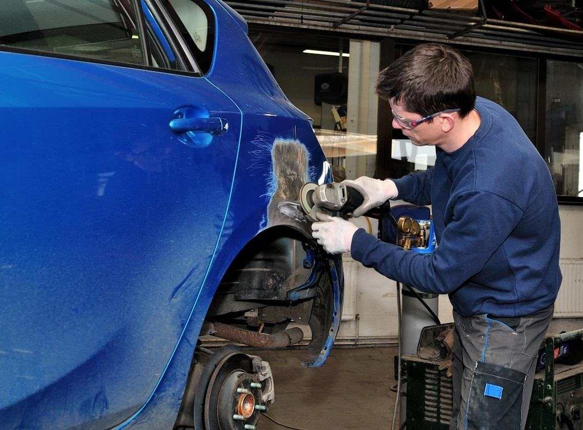фото ремонт автомобильных крыльев в рязани