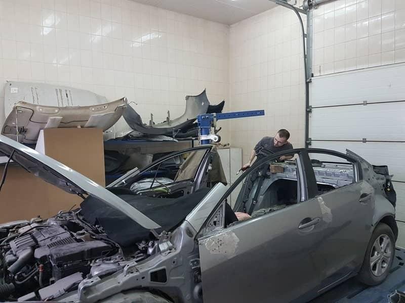 Mazda до восстановления кузова фото