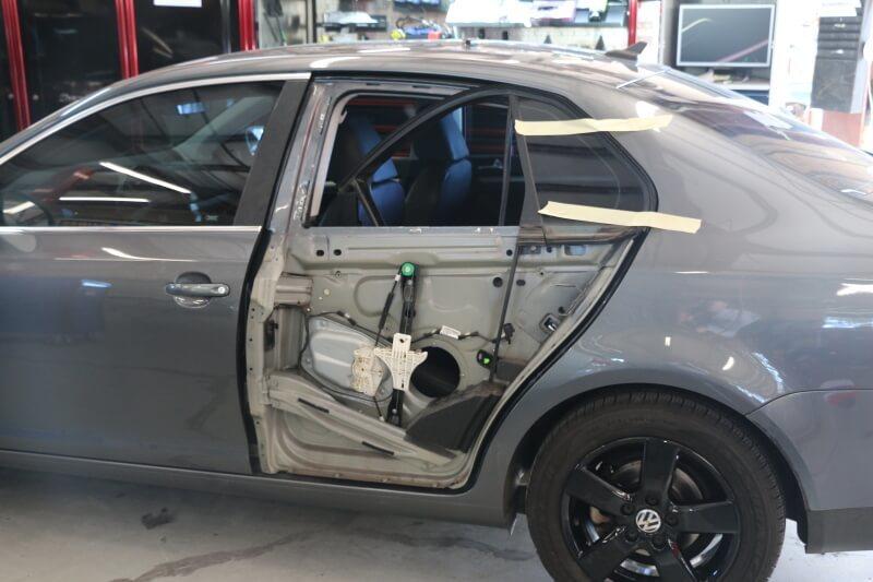 фото ремонт автомобильной двери в рязани