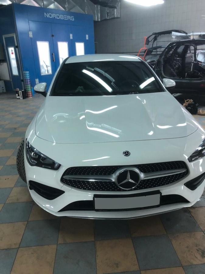 Фото Mercedes после покрытия кузова керамикой